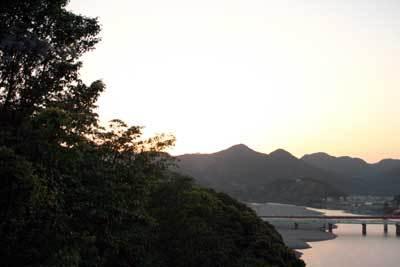 川口に沈む夕日.jpg